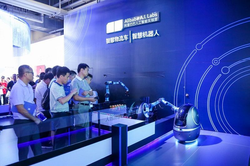 Gigantul chinez Alibaba, a lansat Space Egg, robotul specializat în servicii hoteliere