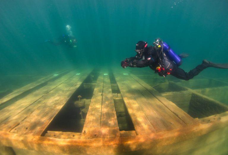 Circuit subacvatic pe fundul Lacului Tahoe, în California
