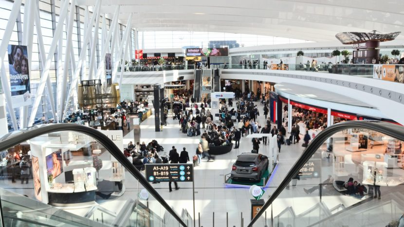 Detectoare de minciuni cu inteligență artificială, testate pe aeroporturi