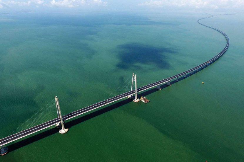 Hong Kong-Zhuhai-Macao | Cel mai lung pod peste mare are 55 de km