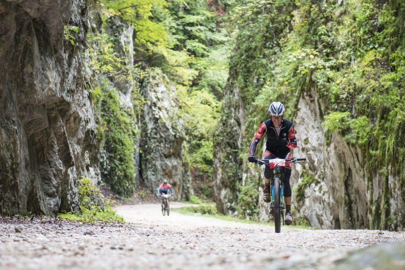 11 trasee de cicloturism în Piatra Craiului