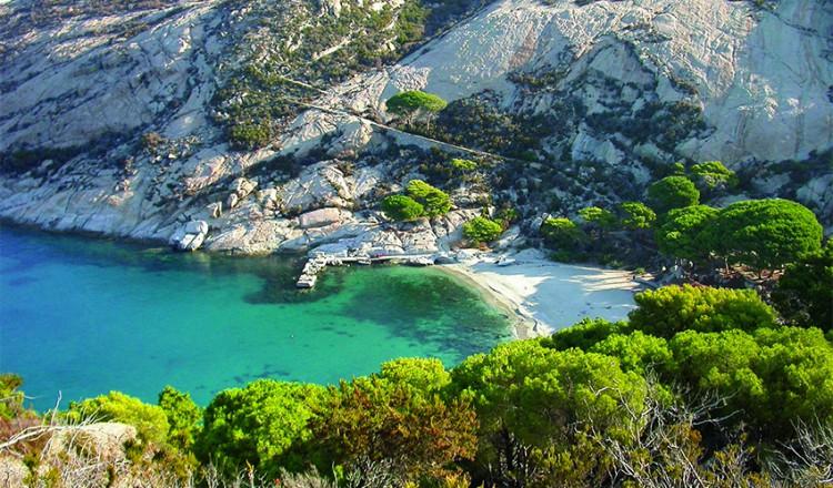 Montecristo, insula din Italia pentru care te înscrii pe lista de așteptare