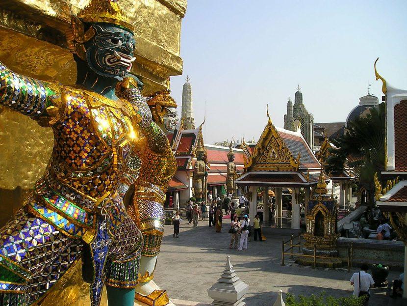 Încoronarea Regelui Thailandei | Trei zile de ceremonii fastuoase la Bangkok