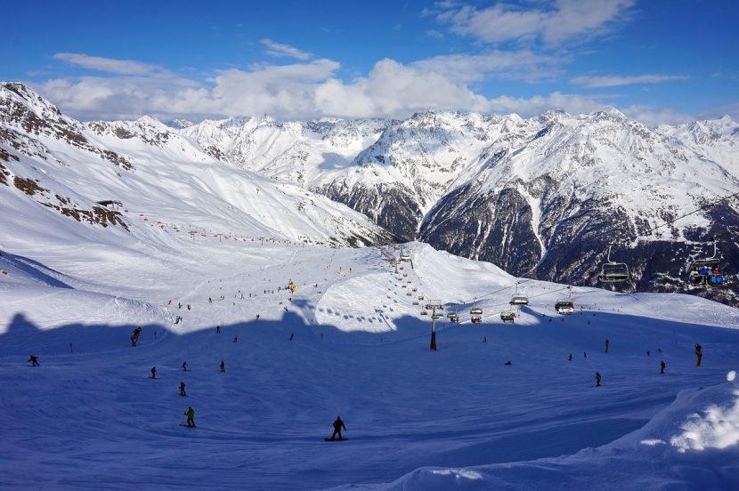 Noul card european de schi valabil în peste 100 de stațiuni din 9 țări