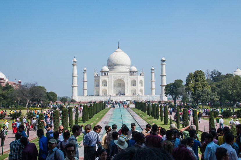 INDIA   Vizita la Taj Mahal limitată la 3 ore