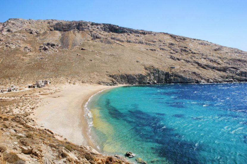 GRECIA | Prima plajă unde fumatul va fi interzis