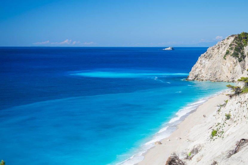 EXCLUSIV: Accesul pe renumita plajă Egremni din Lefkada, doar pe mare pentru încă cel puțin 2 ani
