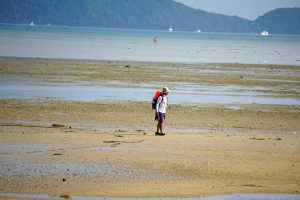 Low tide at Friendship Beach (Chalong Bay), Rawai, Phuket