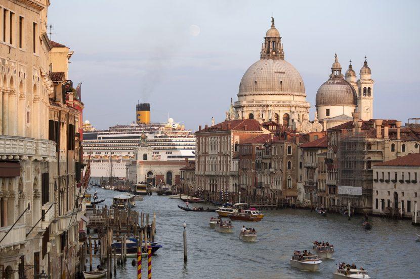 Veneția restricționează accesul navelor de croazieră în centrul istoric