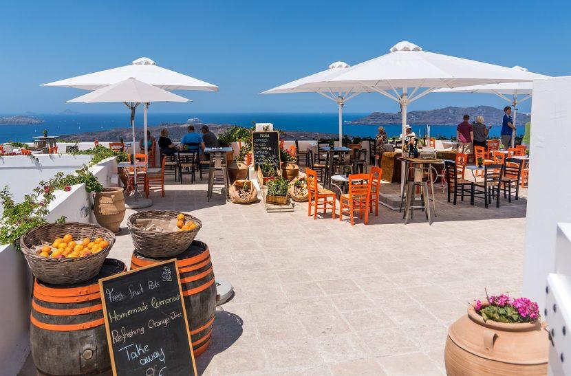 GRECIA | Oficialii îi învață pe turiști să ceară bon fiscal sau să refuze achitarea notei de plată