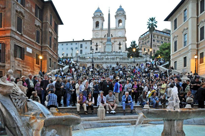 ITALIA | Turiștii nu mai au voie să se așeze pe faimoasele Trepte Spaniole din Roma