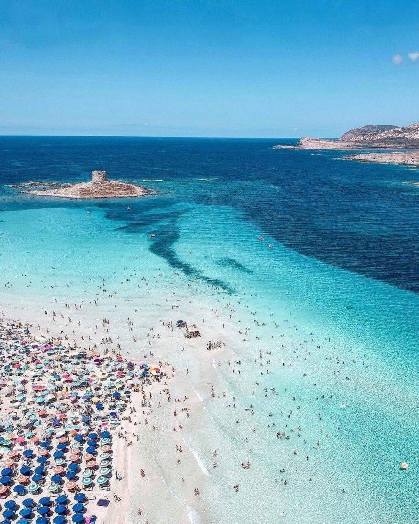 ITALIA | Taxă de acces pe una dintre cele mai cunoscute plaje din Sardinia
