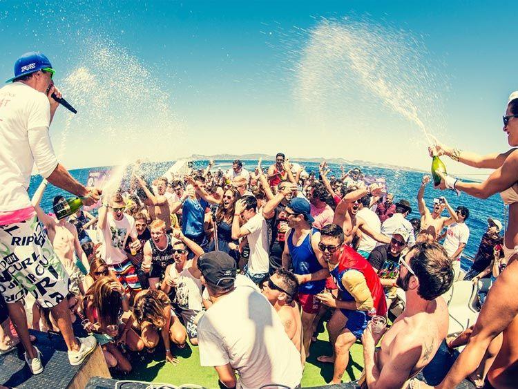 SPANIA | Restricții la alcool, în fiefurile petrecăreților din Ibiza și Mallorca